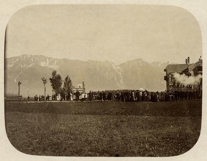 Perfekte Salve schon damals: Prozession der SKIV am Fernkreuzweg anno ~1900/10